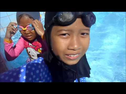 Liburan asik Lifia Niala - Floats Pool Toys Duck @LifiaTubeHD from YouTube · Duration:  10 minutes 2 seconds