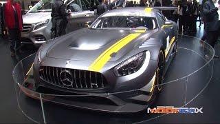 Lo stand Mercedes al Salone di Ginevra 2015