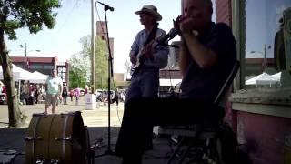 """""""Crossroads Blues"""" in Clarksdale, The Blues Doctors (2015)"""