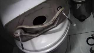 видео Прокладка между бачком и унитазом