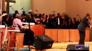 FAMU Alumni Choir 2011 - We Walk By Faith
