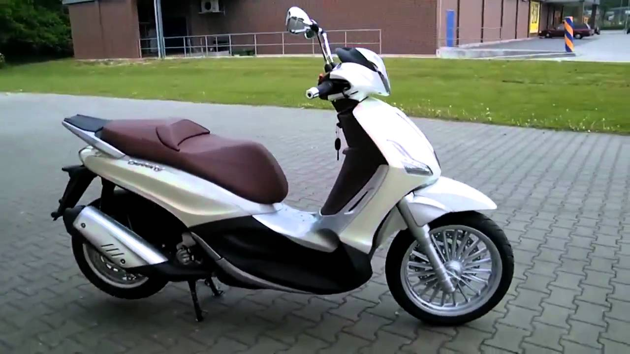 piaggio beverly 300 11 roller scooter 2011 youtube. Black Bedroom Furniture Sets. Home Design Ideas