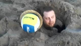 Levande begravd, bara huvudet kvar!!