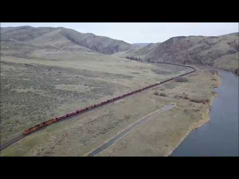 Drone Chasing BNSF Grainer in the Yakima River Canyon #2 (3/31/2018)