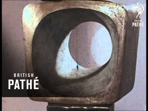 Barbara Hepworth Sculptress (1972)