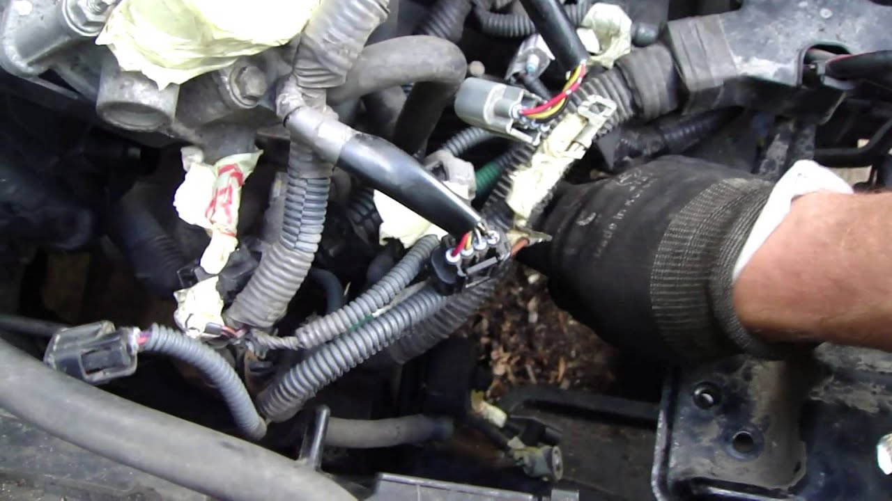 how to replace clutch fluid hose toyota corolla years 2007 to 2014 youtube. Black Bedroom Furniture Sets. Home Design Ideas
