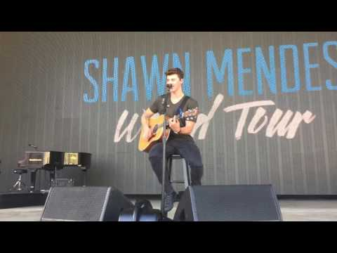 Shawn Mendes - Treat You Better LIVE...