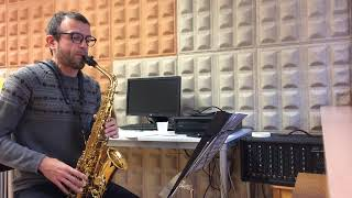 Circular breathing on saxophone. David Hernando Vitores