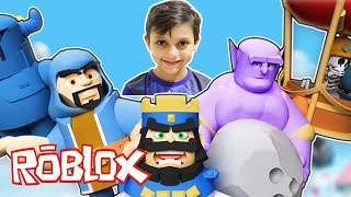 LEARNING to PLAY ROBLOX-BLOX ROYALE (Clash Royale Factory)-GUSTAVO TV