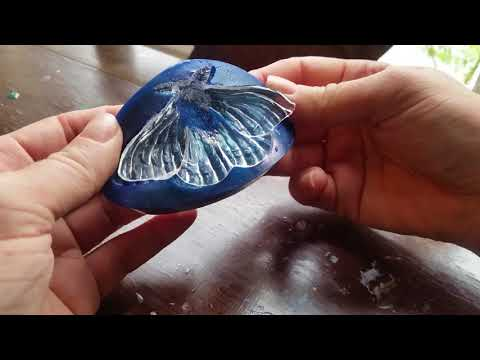 Demoulding a Clear Resin Moth