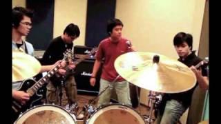 Tâm hồn của đá (Bức tường) cover by The Zoom band
