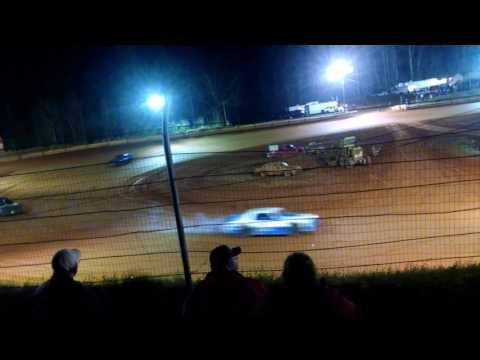 Tri county speedway race.