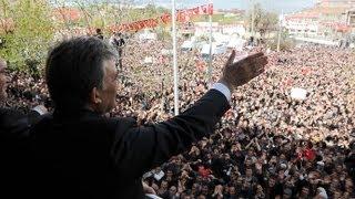 Cumhurbaşkanı Gül, Muş'ta yoğun sevgi gösterisinde bulunan vatandaşlara hitap etti-18.04.2013