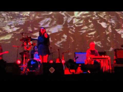 Mazzy Star - Flyin' Low (Live) - Primavera Sound, Barcelona, ES (2012/05/31)