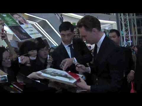 Tom Hiddleston in South Korea (Timessquare)