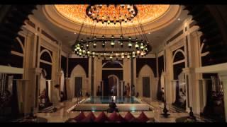 Отель Jumeirah Zabeel Saray - Дворецкий (long version)(В центре ролика — еще одна наша героиня, персональный дворецкий в отеле Jumeirah Zabeel Saray. Подробнее об отеле:..., 2014-04-08T12:17:06.000Z)