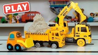 КУКУТИКИ PLAY - Строительные машины убирают песок на стройке - Поиграйка с Пилотом Винтиком