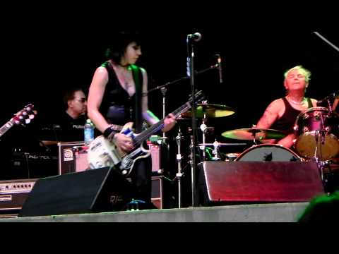Joan Jett and the Blackhearts-French Song