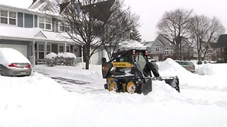 Long Island Digs Out From Almost 2 Feet of Snow