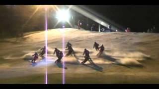 Sidecarcross im Schnee: Erste Eindrücke der Nacht-Ski-Show in…