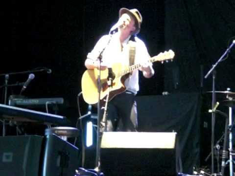 Sing by Fran Healy live @ Bank of America Pavilion