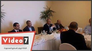 لجنة السياحة بالبرلمان تلتقى محافظ البحر الأحمر لمناقشة أزمة تكدس مطار الغردقة