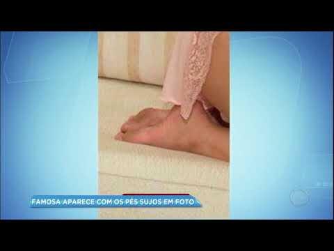 Geisy Arruda esquece de lavar os pés ao posar para foto sensual