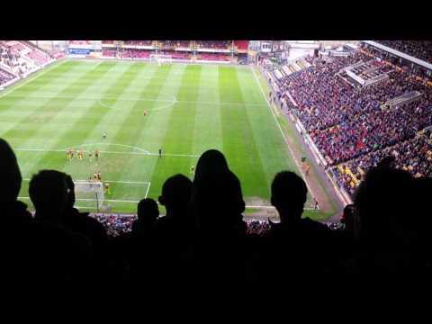 Bradford City vs Oxford: Josh Cullen, Charlie Wyke & Mark Marshall chant #WereOnOurWay