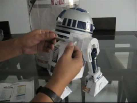 R2 D2, ARTURITO, INTERACTIVE ASTROMECH DROID, LIMA PERU (1/2)