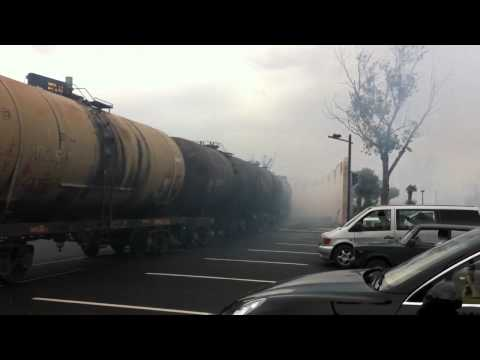 Fail! Aserbaidschan - Baku City Center, oil train, near miss!
