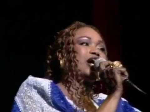 Oumou Sangare - Concert à Abidjan