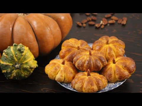 Pumpkin Bread Recipe | Halloween Rolls Buns | How Tasty Channel
