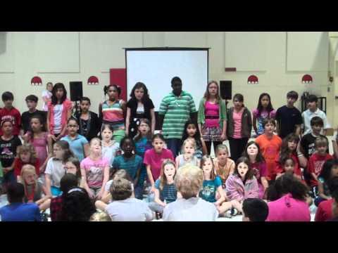 Enota Show Choir performs