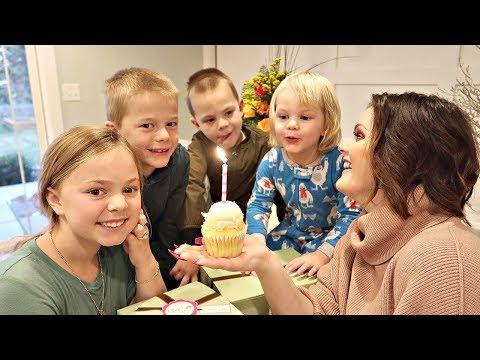 Happy Birthday Mama! Bonnie turns 33