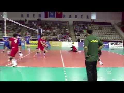 Portugal return an almost impossible ball to eventually win the rally!