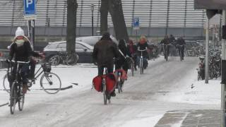 Cycling in the snow, Utrecht (Netherlands)