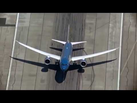 New Boeing 787 9 Dreamliner performs near vertical take off