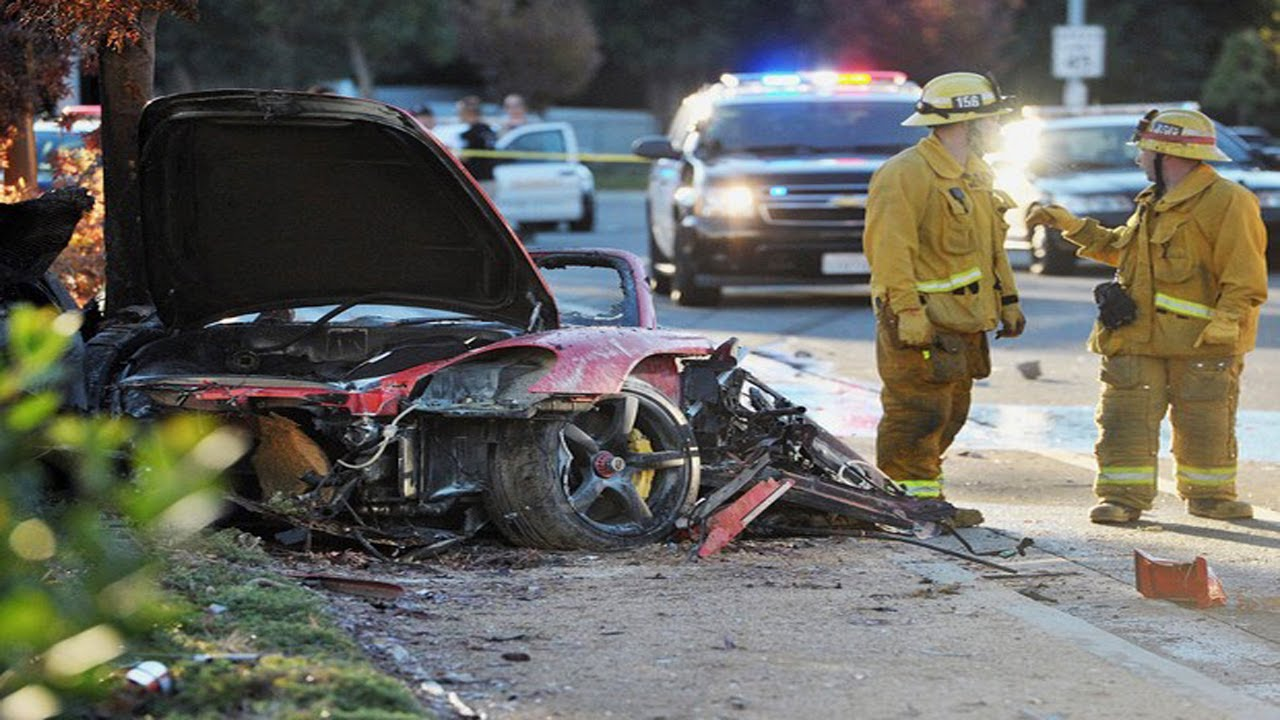 paul walker morre em acidente de carro 30 11 2013 youtube. Black Bedroom Furniture Sets. Home Design Ideas