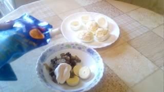 яйца фаршированные сыром и грибами