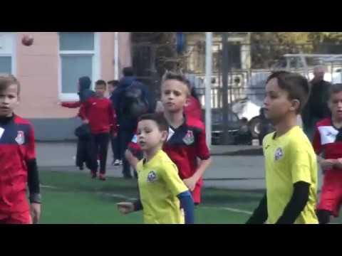 1 тайм ФК Атлет (2)  U11  Киев - ФК Локомотив U11 Киев (  7+1) 21.04.2019