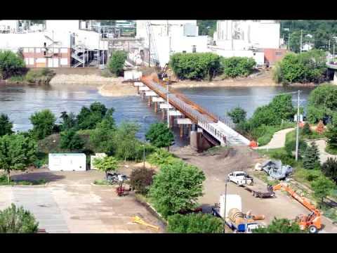 Rebuilding the CRANDIC Bridge - Time Lapse