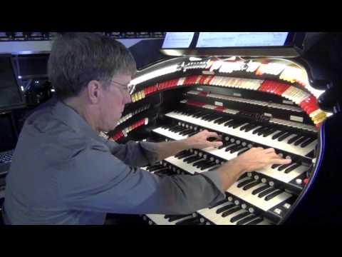 Ray Horsley Plays Chicago Musical Medley