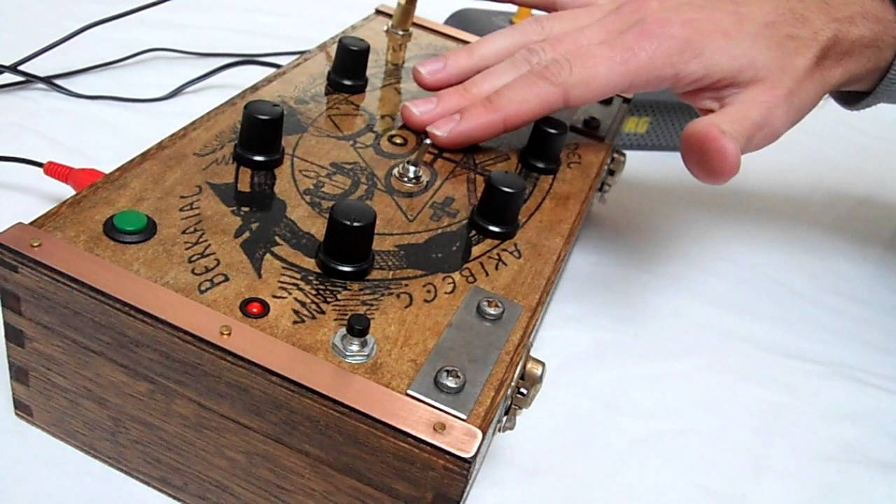 Rc Circuit Bent The Antichrist Atmosphere Sound Generator Drone Effects Synth Units