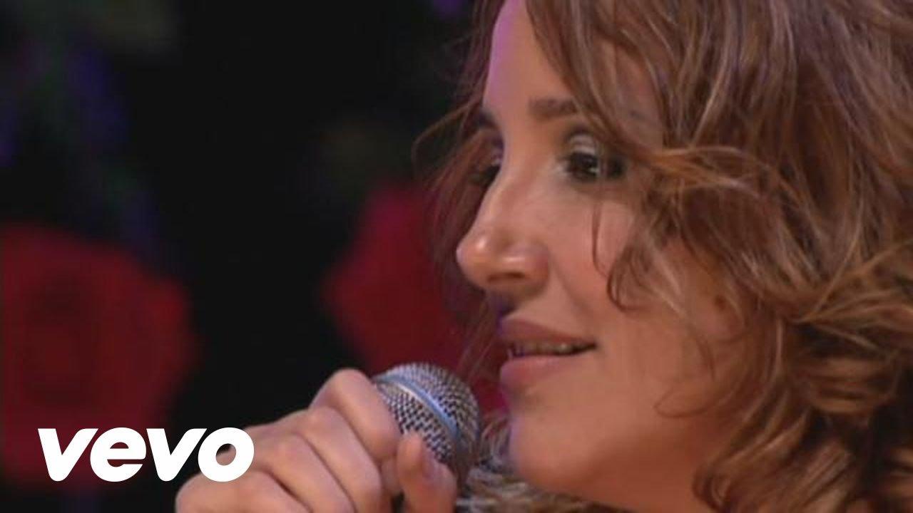 Download Ana Carolina - Aqui / Quem de Nós Dois (La Mia Storia Tra Le Dita) (Ao Vivo)