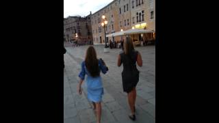 Venice. Eliz and Arden walking Thumbnail
