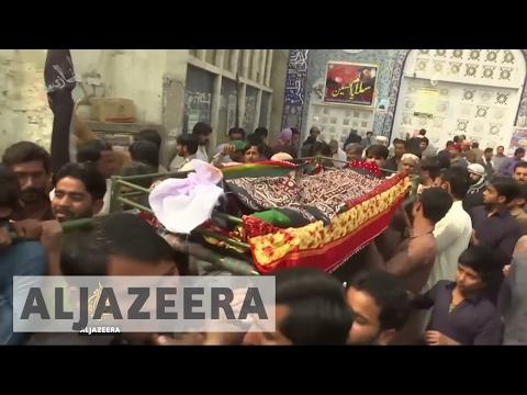 Pakistan: Funerals begin for victims of shrine blast