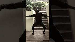 Nowo(wiz kid) dance.