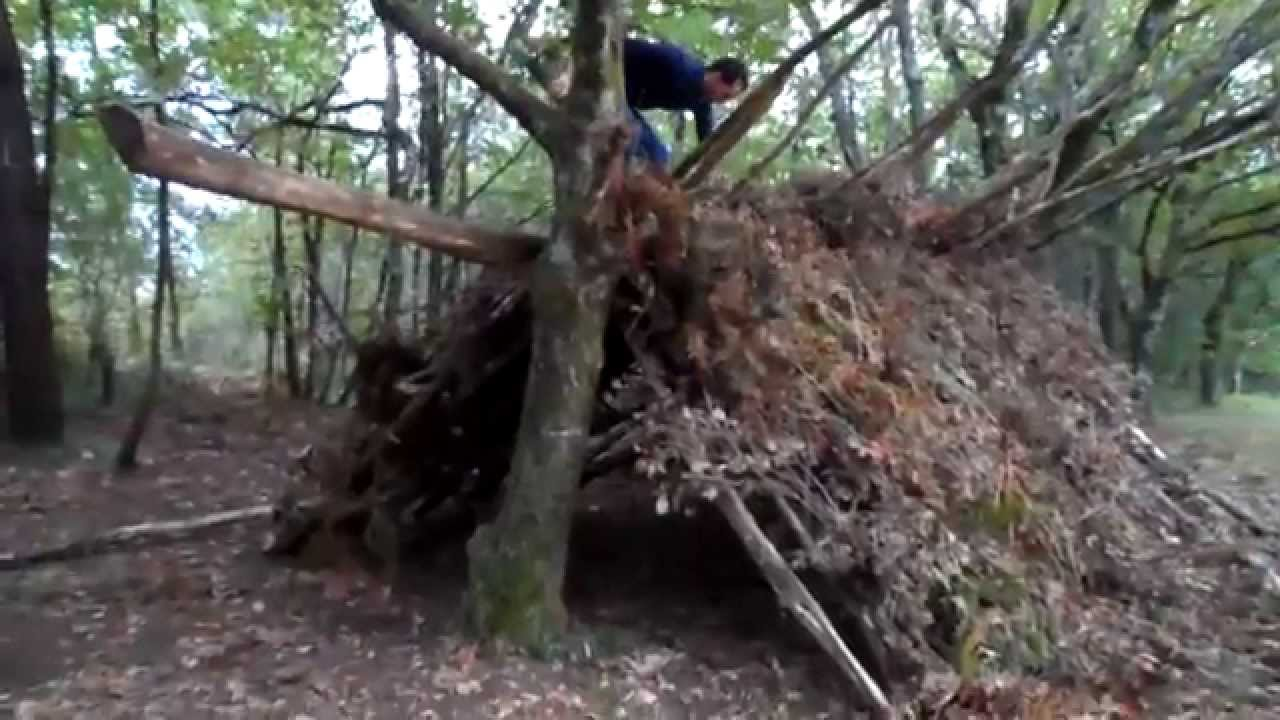 Construction d 39 abris survie youtube - Construire un abri poubelle ...