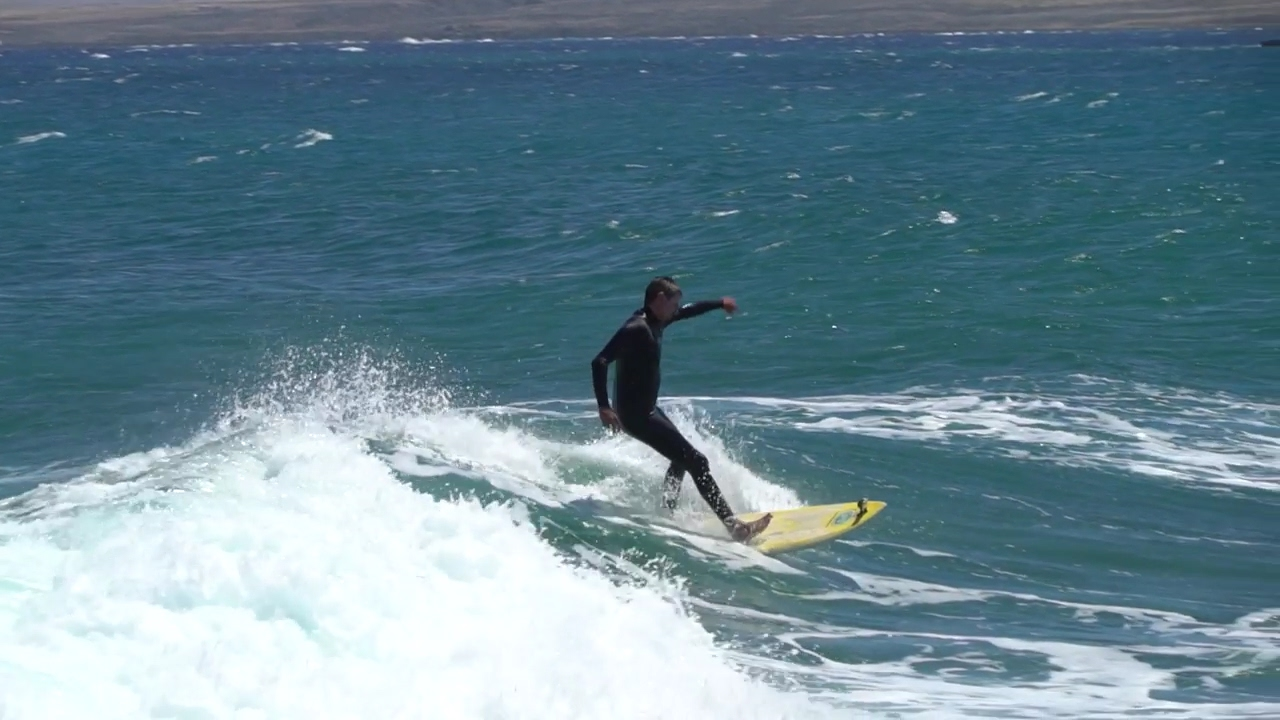 surfing Fuerteventura East Coeast - slow motion 4 time slower
