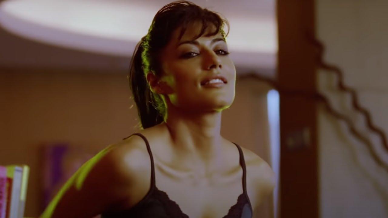 Download Chitrangada Singh gets naughty